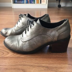 ModCloth Vegan Leather Silver Oxfords Stacked Heel